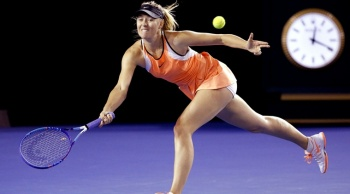 Masha Sharapova in tennis again